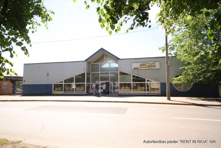 Sludinājumi. Multifunkcionāla, atsevišķi stāvoša ēka veikalam, bāram, kafejnīcai, klubam, pārtikas ražotnei, Cena: 1464 EUR/mēn Foto #1