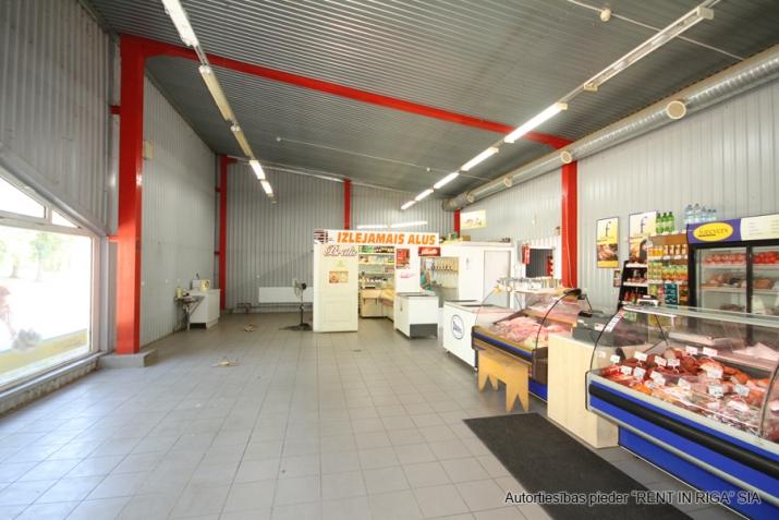 Sludinājumi. Multifunkcionāla, atsevišķi stāvoša ēka veikalam, bāram, kafejnīcai, klubam, pārtikas ražotnei, Cena: 1464 EUR/mēn Foto #4