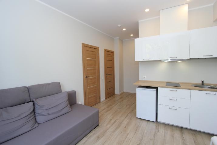 Sludinājumi. Pārdod remontētu dzīvokli pilnībā renovētā ēkā.  + Dzīvoklis tiek pārdots ar visām mēbelēm; + Cena: 39260 EUR Foto #5