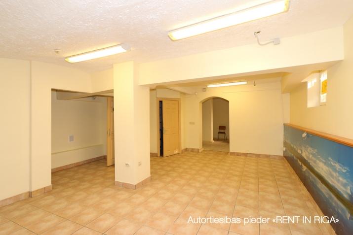 Sludinājumi. Pārdod tirdzniecības telpas centrā, Stabu ielā.   + Telpas atrodas pirmskara laika nama puspagrabā, Cena: 46000 EUR Foto #4