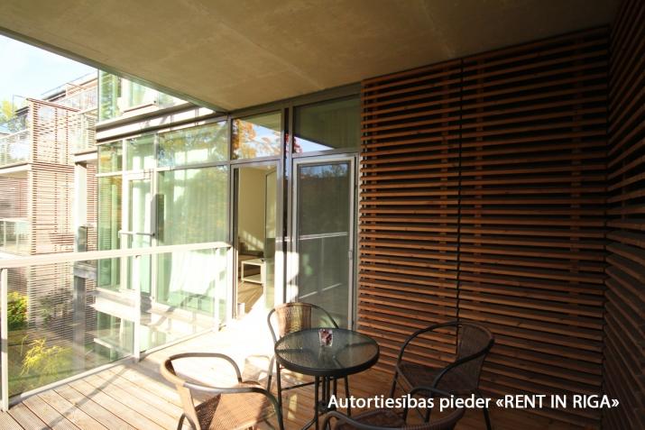 Sludinājumi. Ilgtermiņa īrei uz gadu un vairak tiek piedāvāts skaists dzīvoklis jaunajā projektā Jūrmalas Cena: 750 EUR/mēn Foto #3