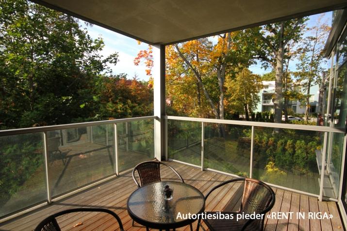 Sludinājumi. Ilgtermiņa īrei uz gadu un vairak tiek piedāvāts skaists dzīvoklis jaunajā projektā Jūrmalas Cena: 750 EUR/mēn Foto #4
