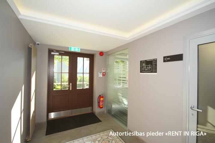 Sludinājumi. Atsevišķi stāvoša biroju ēka pie T/c \'Riga plaza\'.  + Renovēta 2017. gadā.  + Ēkas platība (GBA)- Cena: 950000 EUR Foto #2