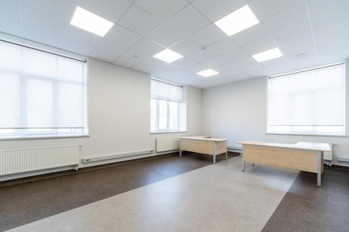 Sludinājumi. Atsevišķi stāvoša biroju ēka pie T/c \'Riga plaza\'.  + Renovēta 2017. gadā.  + Ēkas platība (GBA)- Cena: 950000 EUR Foto #5