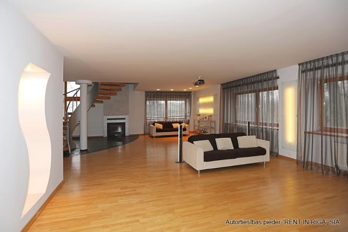 Объявление. Сдаются в аренду  эксклюзивная квартира на самом берегу Кишозера в Межапарке.  Из окон открывается Цена: 1800 EUR/мес. Foto #3