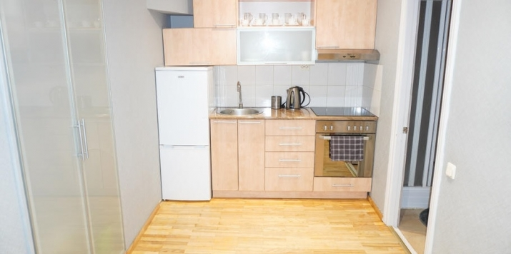 Sludinājumi. Izīrē - fasādes māja, restaurēta māja, logi vērsti mājas abās pusēs, istabas izolētas 2 gab. , Cena: 600 EUR/mēn Foto #5