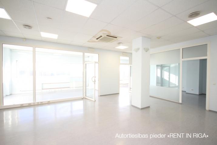 Объявление. Biroja telpas Imantā, renovētā ēkā.  + 4. stāvs. + Platība sastāv no atvērta telpas, 5 kabinetiem, Цена: 1100 EUR/мес. Foto #5