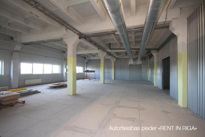 Объявление. Apkurināmas noliktavas telpas Imantā, renovētā ēkā, 5. stāvā.  Platība sastāv no atvērta tipa Цена: 648 EUR/мес. Foto #2