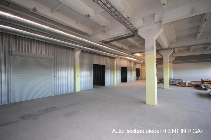 Объявление. Apkurināmas noliktavas telpas Imantā, renovētā ēkā, 5. stāvā.  Platība sastāv no atvērta tipa Цена: 648 EUR/мес. Foto #4