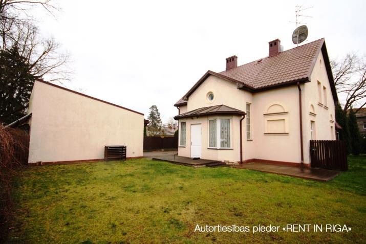 Объявление. Предлагаем в долгосрочную аренду дом в Teika на тихой улице жилого района. Дом для семьи, которая Цена: 1650 EUR/мес. Foto #2