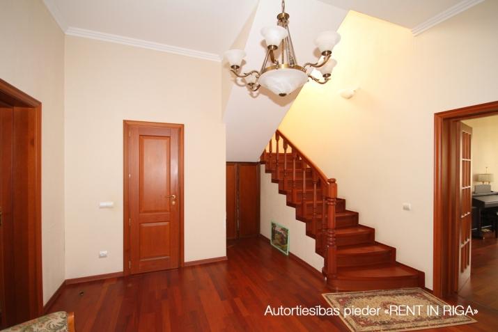 Объявление. Privātmāja Jūrmalā, Majoros, Jāņa Pliekšāna ielā 25. Māja sastāv no 2 stāviem; pirmajā stāvā Цена: 520000 EUR Foto #3