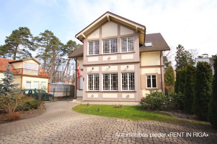 Объявление. Privātmāja Jūrmalā, Majoros, Jāņa Pliekšāna ielā 25. Māja sastāv no 2 stāviem; pirmajā stāvā Цена: 520000 EUR Foto #1