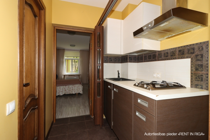 Объявление. Compact one-room apartment in a closed yard on Matīsa iela 59a.  + fully furnished and ready for Цена: 270 EUR/мес. Foto #2