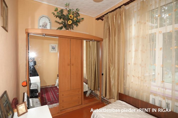 Sludinājumi. Gleznainā Jūrmalas rajonā-Priedainē pārdošanai tiek piedāvts privātīpašums. 2-stāvu ģimenes māja. Cena: 180000 EUR Foto #3
