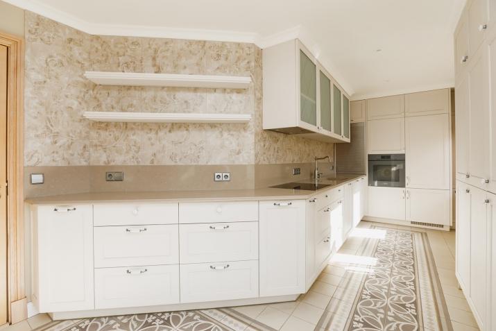 Sludinājumi. Tiek pārdota plaša un kvalitatīva māja vienā prestižākiem Vidzemes rajoniem.  Māja ir izvietota 4 Cena: 370000 EUR Foto #3