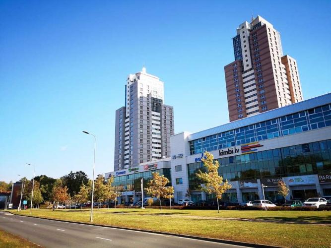 Sludinājumi. Dzīvoklis Panorama Plaza projektā.  - 50 m2 terase ar žilbinošiem skatiem uz Vecrīgu un plašo Cena: 340000 EUR Foto #1