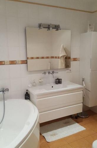 Sludinājumi. Tiek pārdots skaists, labiekārtots divistabu dzīvoklis (100 m2) elitārajā projektā Marienbad kāpu Cena: 269000 EUR Foto #5