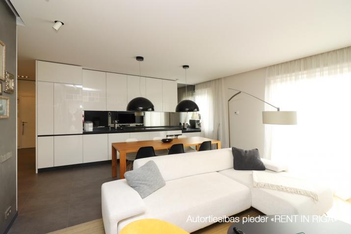 Объявление. Сдается квартира в Булдури, 1 линия (Bulduru prospekts), 2 этаж, лифт, на длительный срок. Три Цена: 1500 EUR/мес. Foto #6