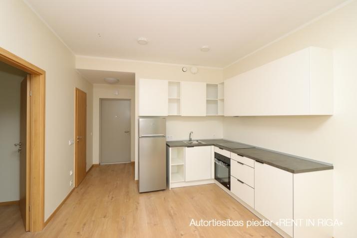 Sludinājumi. Divu istabu dzīvoklis projektā \'Ezerparka Nami\'. Dzīvokļa plānojums: viena izolēta istaba, Cena: 480 EUR/mēn Foto #1