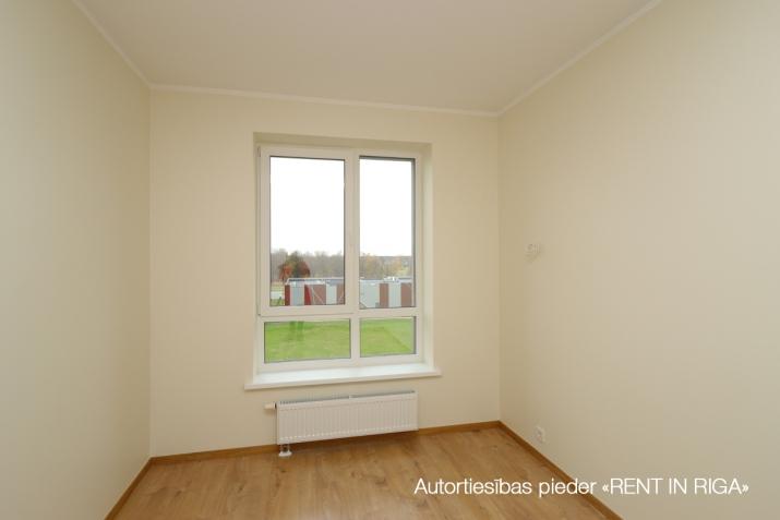 Sludinājumi. Divu istabu dzīvoklis projektā \'Ezerparka Nami\'. Dzīvokļa plānojums: viena izolēta istaba, Cena: 480 EUR/mēn Foto #3