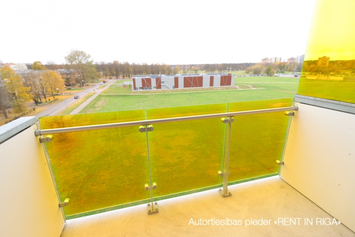 Sludinājumi. Divu istabu dzīvoklis projektā \'Ezerparka Nami\'. Dzīvokļa plānojums: viena izolēta istaba, Cena: 480 EUR/mēn Foto #5