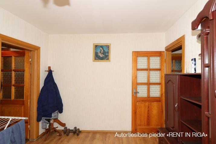 Объявление. Продаётся уютная трёхкомнатная квартира в Плявниеках.  Хорошее месторасположение. В шаговой Цена: 53500 EUR Foto #4