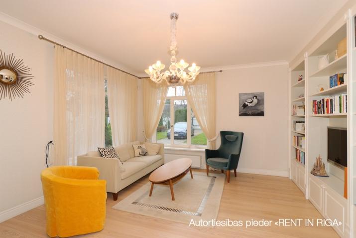 Sludinājumi. Tiek pārdota mājīga, pārdomāta, kompakta privātmāja Majoros. Māja atrodas 10 minūšu gājiena Cena: 340000 EUR Foto #4