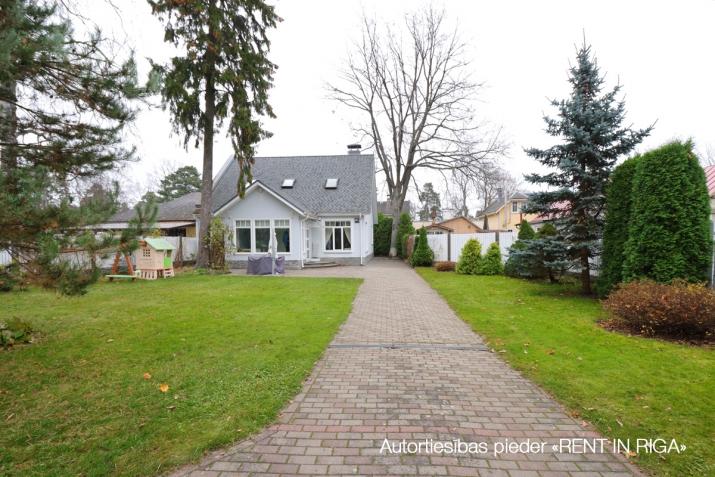 Sludinājumi. Tiek pārdota mājīga, pārdomāta, kompakta privātmāja Majoros. Māja atrodas 10 minūšu gājiena Cena: 340000 EUR Foto #3