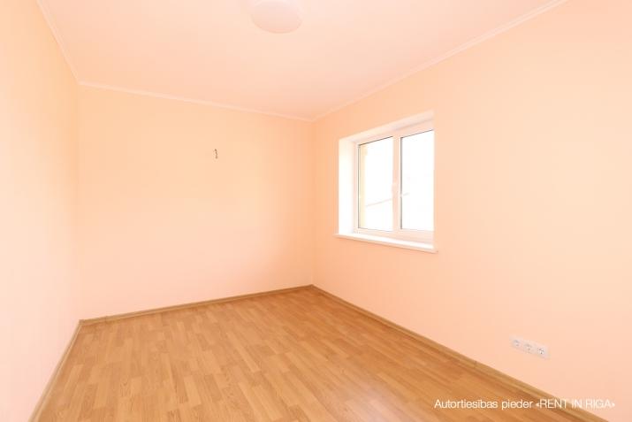 Объявление. Продается новый двухэтажный дом с белой отделкой.  Дом построен из высоко качественных материалов. Цена: 199500 EUR Foto #3