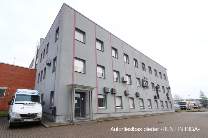 Sludinājumi. Birojs Šķirotavā.  + 2. stāvs. + Platība sastāv no koridora/recepcijas, trīs kabinetiem, virtuves Cena: 1392 EUR/mēn Foto #1