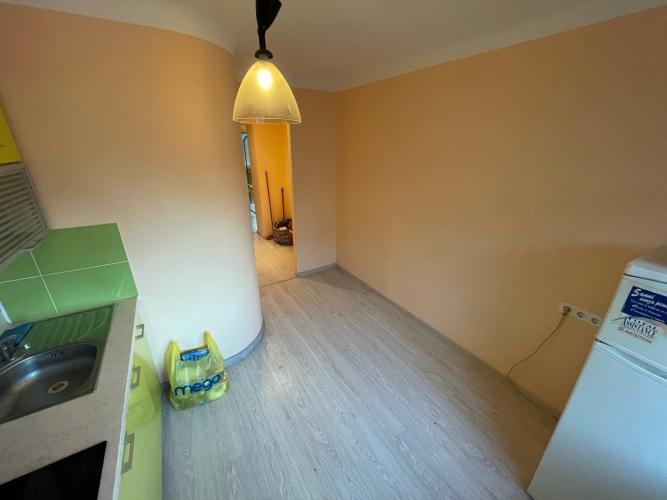 Объявление. Tiek pārdots piecu slēgtu istabu dzīvoklis.  + Piecas slēgtas istabas; + jaunas Цена: 85000 EUR Foto #4