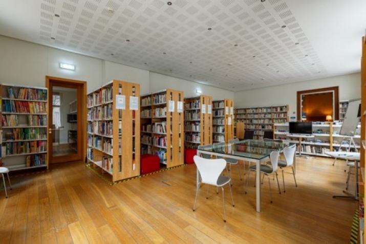 Объявление. Tiek iznomāta atsevišķi stāvoša biroja ēka.  + Trīs stāvi; + augstas kvalitātes remonts; + Цена: 12000 EUR/мес. Foto #3