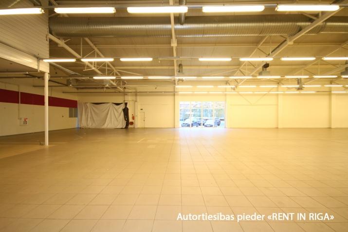 Sludinājumi. Iznomā telpas tirdzniecības centrā Mežciemā.   Telpas atrodas Hipokrāta ielā 26, ēkas 1. stāvā.   Cena: 4500 EUR/mēn Foto #5
