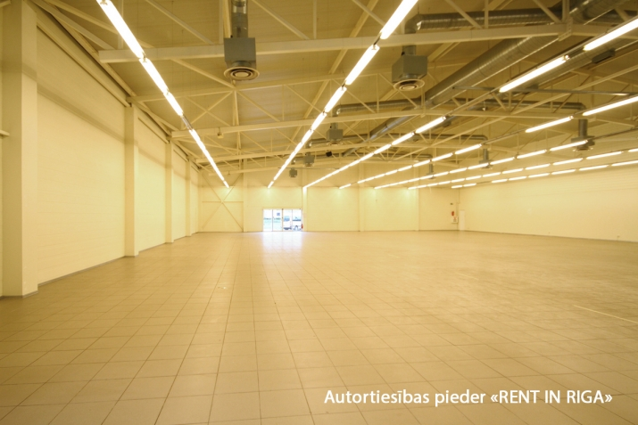 Sludinājumi. Iznomā telpas tirdzniecības centrā Mežciemā.   Telpas atrodas Hipokrāta ielā 26, ēkas 1. stāvā.   Cena: 7200 EUR/mēn Foto #3