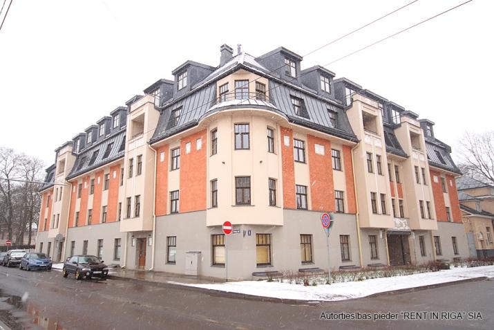 Sludinājumi. Piedāvājumā 3 istabu dzīvoklis renovētā jūgendstila ēkā Alises Apartamenti, kas atrodas klusā Cena: 155000 EUR Foto #1