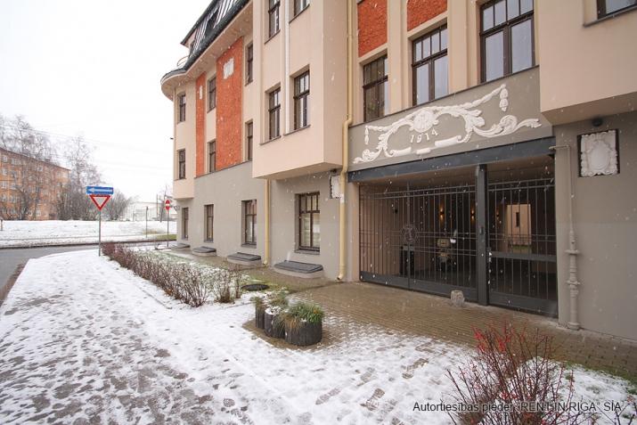 Sludinājumi. Piedāvājumā 3 istabu dzīvoklis renovētā jūgendstila ēkā Alises Apartamenti, kas atrodas klusā Cena: 155000 EUR Foto #3