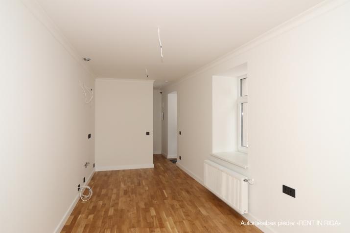 Объявление. Pārdod kvalitatīvu dzīvokli ar terasi jaunajā projektā \'Rēdera nami\', kas atrodas Daugavas krastā.  Цена: 45000 EUR Foto #2