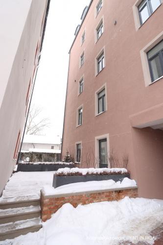 Объявление. Pārdod kvalitatīvu dzīvokli ar terasi jaunajā projektā \'Rēdera nami\', kas atrodas Daugavas krastā.  Цена: 45000 EUR Foto #3