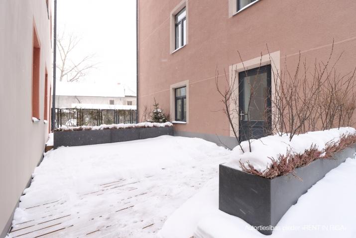 Объявление. Pārdod kvalitatīvu dzīvokli ar terasi jaunajā projektā \'Rēdera nami\', kas atrodas Daugavas krastā.  Цена: 45000 EUR Foto #4
