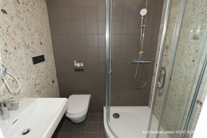 Объявление. Pārdod kvalitatīvu dzīvokli ar terasi jaunajā projektā \'Rēdera nami\', kas atrodas Daugavas krastā.  Цена: 45000 EUR Foto #5