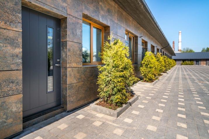 Sludinājumi. Vēlaties dzīvot mūsdienīgā dzīvoklī, kvalitatīvā mājā, kas atrodas sakoptā pilsētvidē, bet jums Cena: 105000 EUR Foto #2