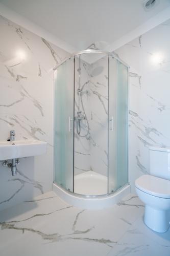 Sludinājumi. Vēlaties dzīvot mūsdienīgā dzīvoklī, kvalitatīvā mājā, kas atrodas sakoptā pilsētvidē, bet jums Cena: 75000 EUR Foto #3