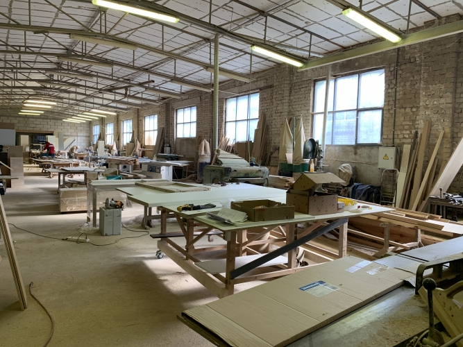 Sludinājumi. Pārdod nekustamo īpašumu komercdarbības izmantošanai.  Ražošanas telpas ar apkuri ~ 550 m2. Biroja Cena: 370000 EUR Foto #3