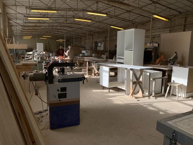 Sludinājumi. Pārdod nekustamo īpašumu komercdarbības izmantošanai.  Ražošanas telpas ar apkuri ~ 550 m2. Biroja Cena: 370000 EUR Foto #4