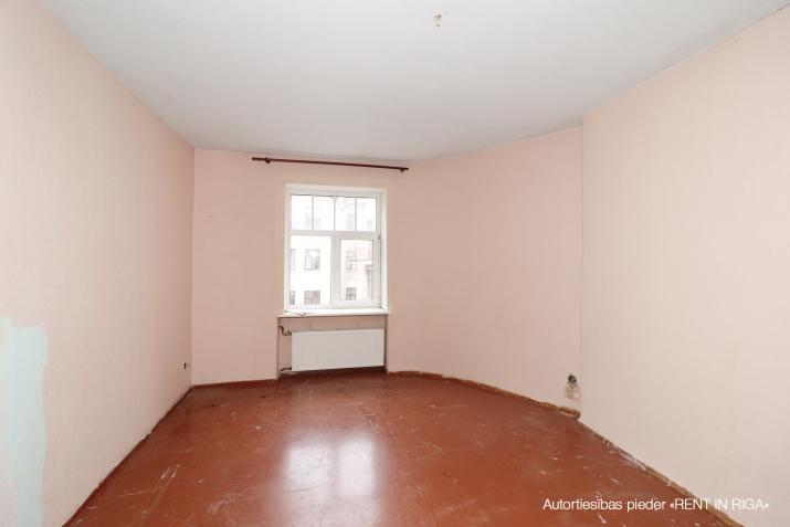 Объявление. Продается 4 комнатная квартира в Центре на улице Валдемара! + В квартире 3 спальни, гостиная, Цена: 144560 EUR Foto #3