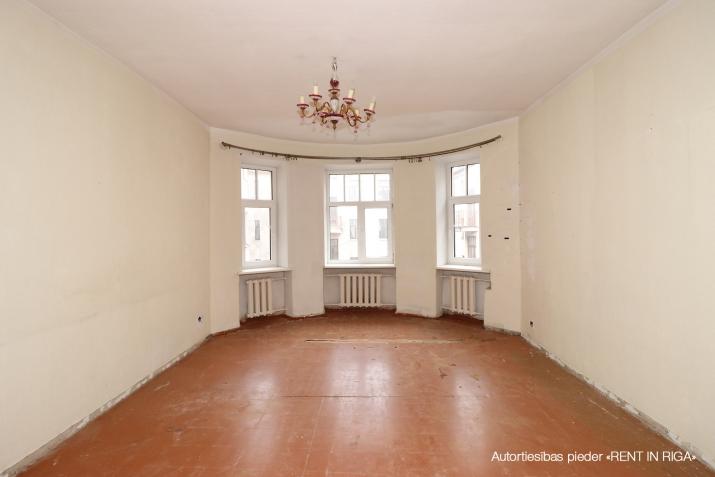 Объявление. Продается 4 комнатная квартира в Центре на улице Валдемара! + В квартире 3 спальни, гостиная, Цена: 144560 EUR Foto #5