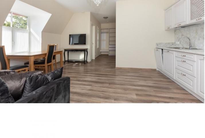 Объявление. Совершенно новая 2-комнатная квартира в отличном районе на окраине Парка Победы. Расположен на 3-м Цена: 550 EUR/мес. Foto #2
