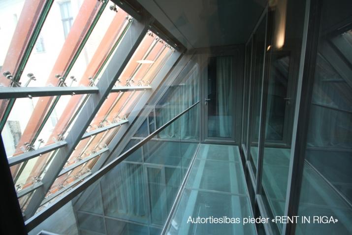 Sludinājumi. Vilhelma Namu dzīvokļu koncepts radīts tiem, kuri dzīvi nevis dzīvo, bet bauda. Tiem, kuri spēj Cena: 3262 EUR/mēn Foto #5