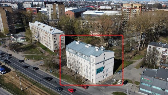 Sludinājumi. Mūsdienīgs īres nams sastāvošs no 65 labiekārtotiem dzīvokļiem.  Kopējā platība: 1958.7; Lietderīgā Cena: 2.5e+06 EUR Foto #1