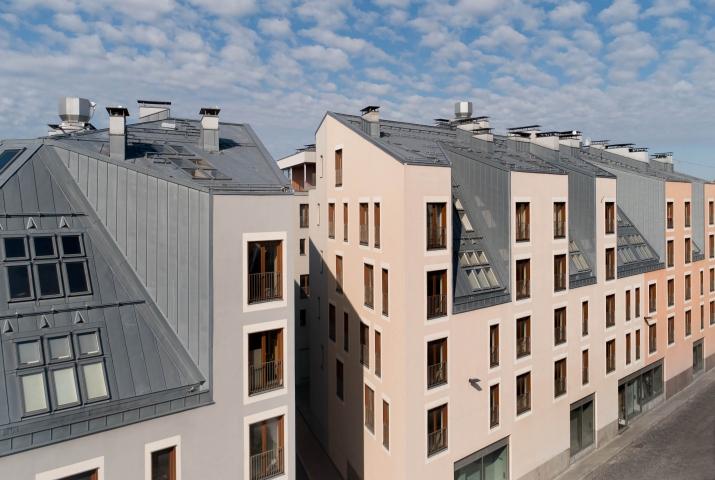 Sludinājumi. Tiek izīrēts 2-ist. dzīvoklis Vecrīgā. - Jauns dzīvoklis, pilnībā mēbelēts - Augstie griesti (3m), Cena: 500 EUR/mēn Foto #2